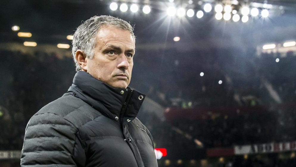 Mourinho Brushes off United Boo-Boys